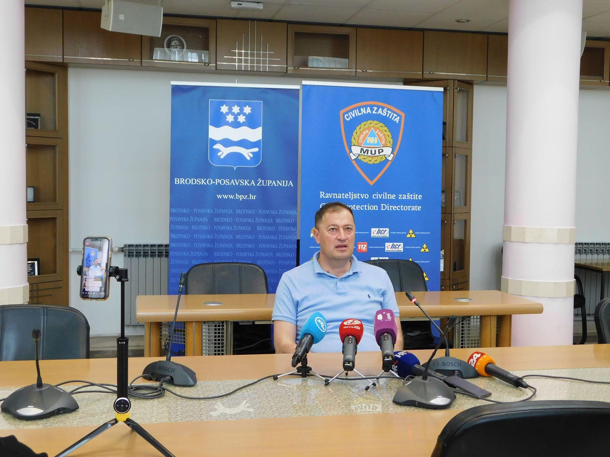U Brodsko-posavskoj županiji potvrđen jedan novi slučaj zaraze, od ponoći uvedena mjera samoizolacije za putnike koji dolaze iz BiH, Srbije, Kosova i Sjeverne Makedonije