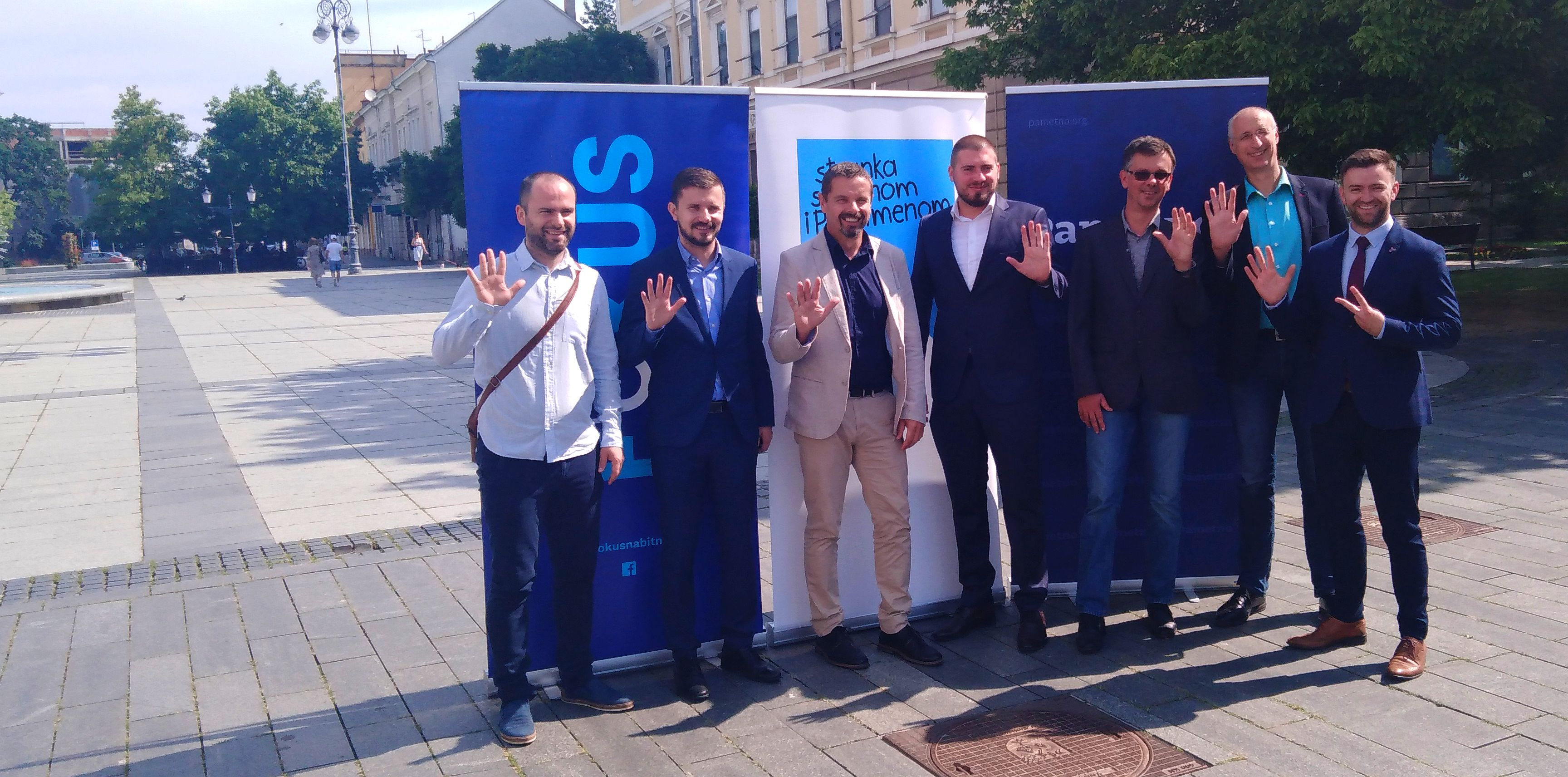 Kandidati liste broj 5 – koalicije STRIP-a, Pametno i Fokus predstavili se i u Slavonskom Brodu