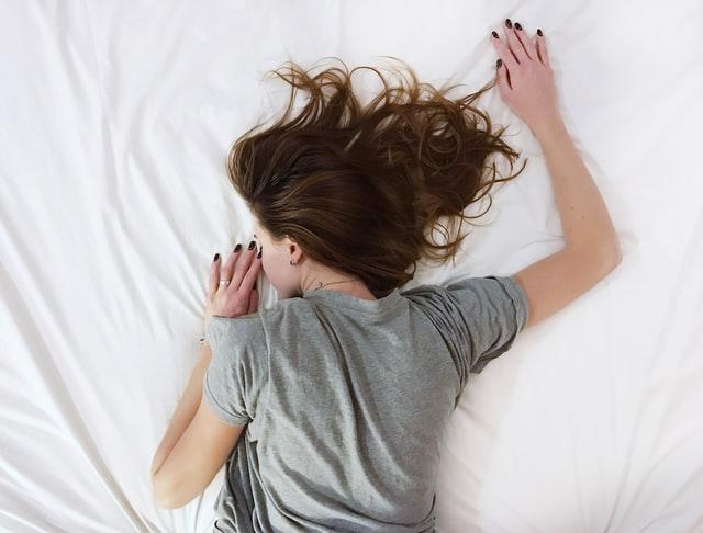 Jednostavan trik koji će ti pomoći da zaspeš kad je jako vruće