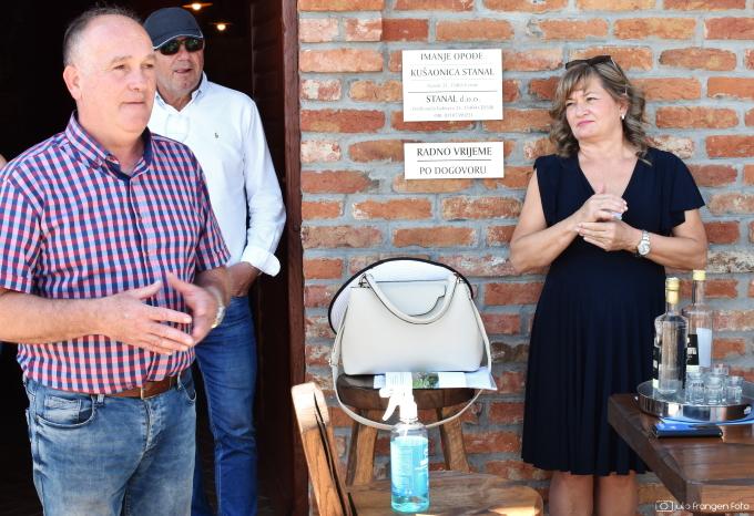 Udahni, okusi, doživi vina Brodsko-posavske županije