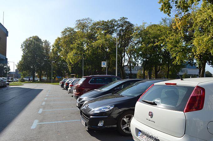 Ukradeni automobili u Andrijevcima, Brodu i Gradiški su pronađeni, bili su otključani i s ključem u bravici