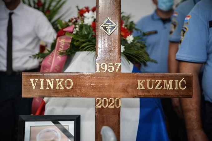 Posljednji oproštaj: Od Vinka Kuzmića danas su se oprostili obitelj, prijatelji i brojni Brođani