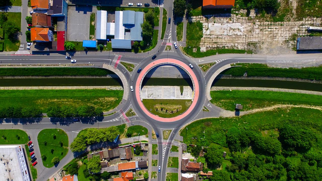 U sljedećoj godini grade se nove ceste, pješačke staze i javna rasvjeta