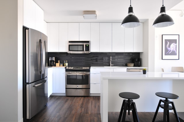 10 stvari u kuhinji kojih biste se trebali odmah riješiti