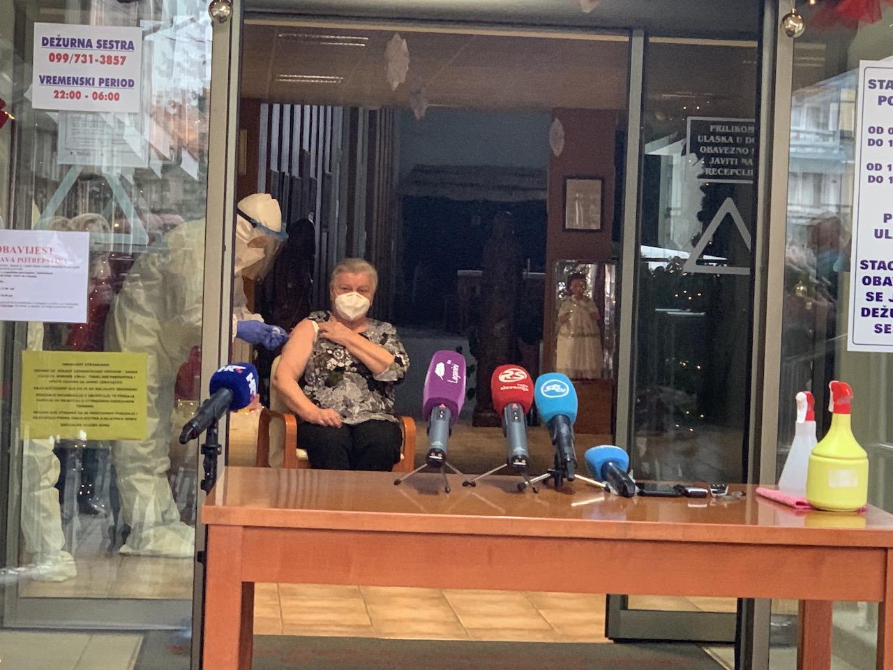 """Cijepljenja prva osoba u našoj županiji: """"Prva sam se javila, za vas mlade i za naše obitelji"""""""