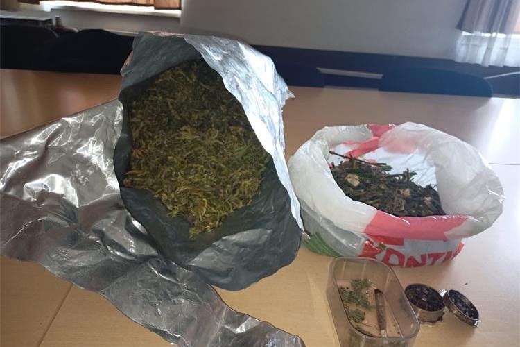51-godišnjak u mini laboratoriju proizvodio, pakirao u manje paketiće i prodavao drogu