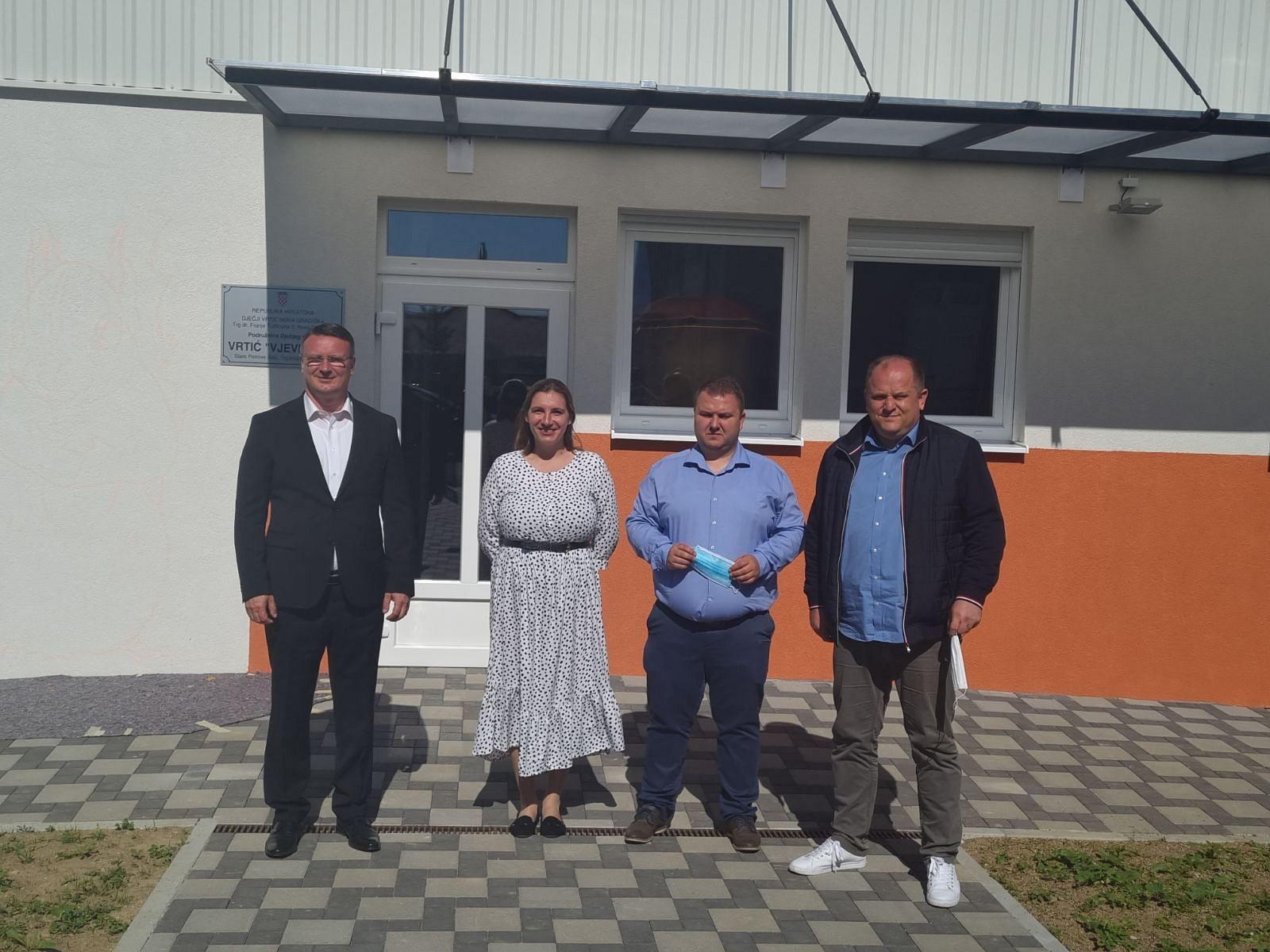 "Župan Marušić obišao Dječji vrtić ""Vjeverica"" u Starom Petrovom Selu"