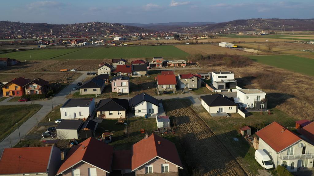 Mladim obiteljima ponovno otvorena mogućnost građenja obiteljskih kuća na gradskim građevinskim zemljištima