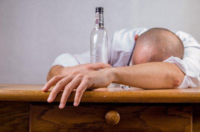 Namirnice i pića koja gotovo odmah liječe mamurluk