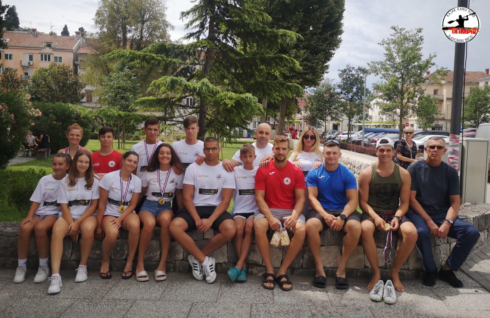 Olimpik obranio naslov seniorskog prvaka treću godinu zaredom, juniorima drugo mjesto ekipno