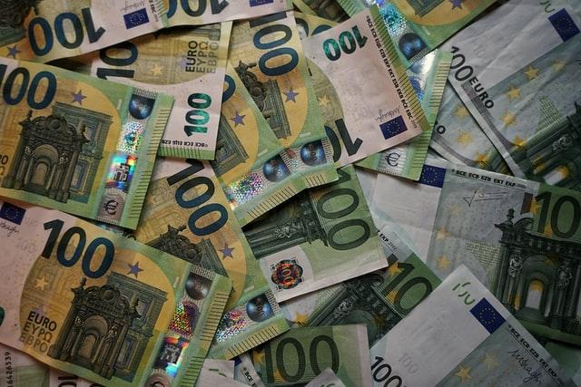 Strah od poskupljenja od uvođenja eura nije neopravdan: Najviše će poskupiti hoteli, restorani, rekreacija i kozmetički saloni