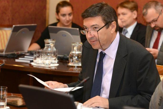 Vlada osigurala 90 milijuna kuna za sufinanciranje prijevoza srednjoškolaca