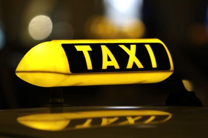 Poštuju li taksisti zakonske propise?