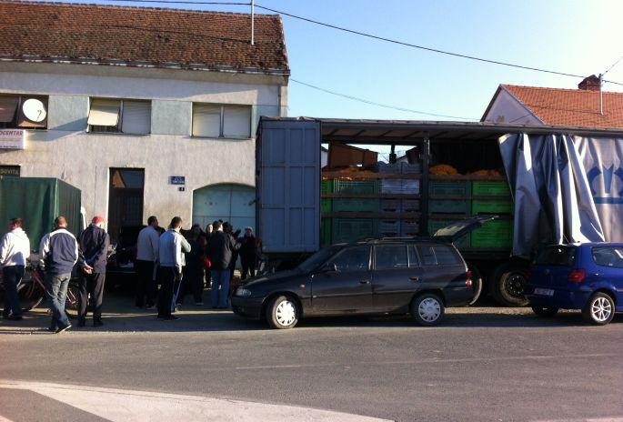 Neretvanske mandarine u petak u Slavonskom Brodu