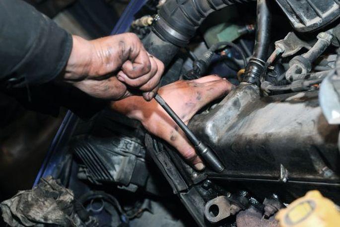 Carina u kontroli mehaničarskih radnji