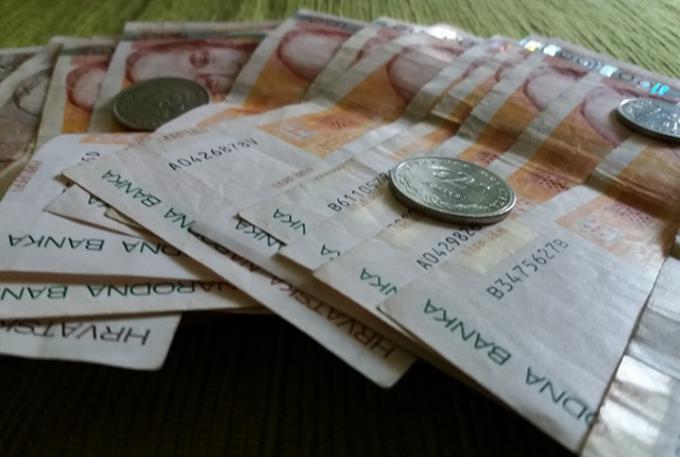 Polaznici stručnog osposobljavanja dobivaju povišicu, raste paralelno s minimalcem