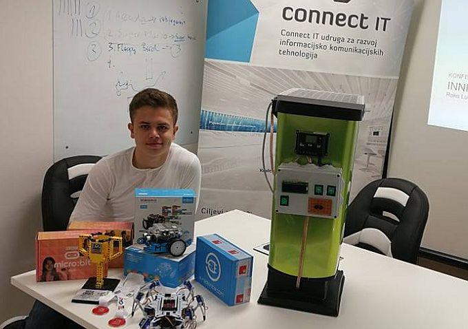 """Roko Lukenda čini čuda, mlad i pun ideja, osmislio je sustav """"Pametnih kanti za smeće"""" a uz to organizator je sajam robotike, srednjoškolac"""