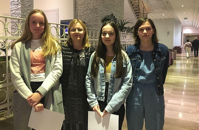Lara, Ema i Lucija uspješne na LiDraNu, ili kako bi cure rekle: Sadašnji uspjeh budućih  novinarki