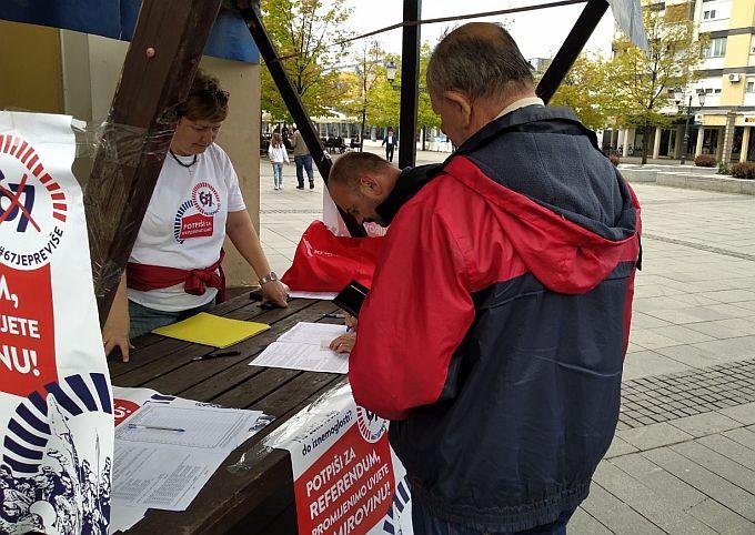 """Ako ste nezadovoljni idejom da u mirovinu idete """"sa štapom u ruci"""" pridružite se inicijativi ''67 je previše'', prikupljanje potpisa za referendum na 4 mjesta u gradu"""