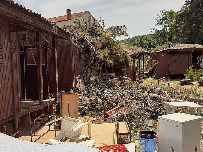 Odmaralište na Korčuli danas čiste, stabla uklanjaju a planirana je i sveobuhvatna obnova koja uključuje uklanjanje dotrajalih drvenih kućica te postavljanje novih