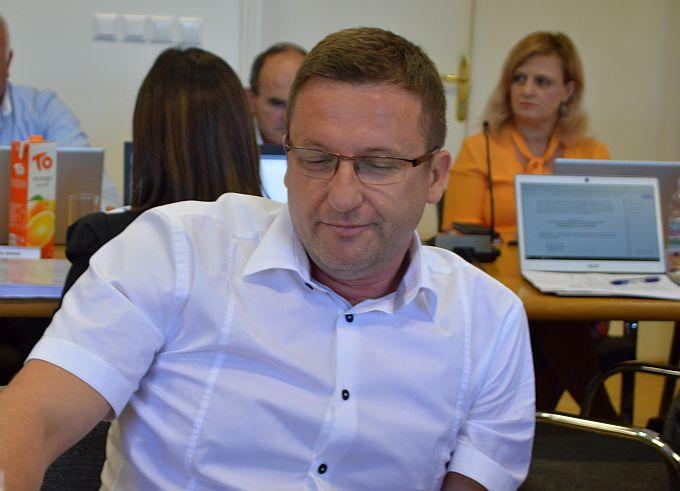 U Slavonskom Brodu postoji pravomoćna presuda kojom stanar zgrade izdvojen iz sustava Brod- plina ne mora plaćati fiksnu naknadu, imamo situaciju