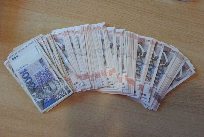 Vlada između ostalog donijela odluku o povećanju minimalca za 250 kuna, od 1. siječnja bit će 3.250 kuna