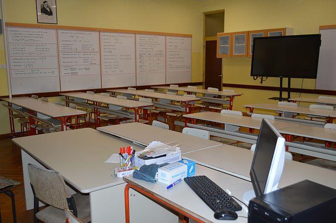 Učionice u školama su uglavnom prazne, bude li danas dogovora, nastava bi krenula u četvrtak, najavljuju iz sindikata