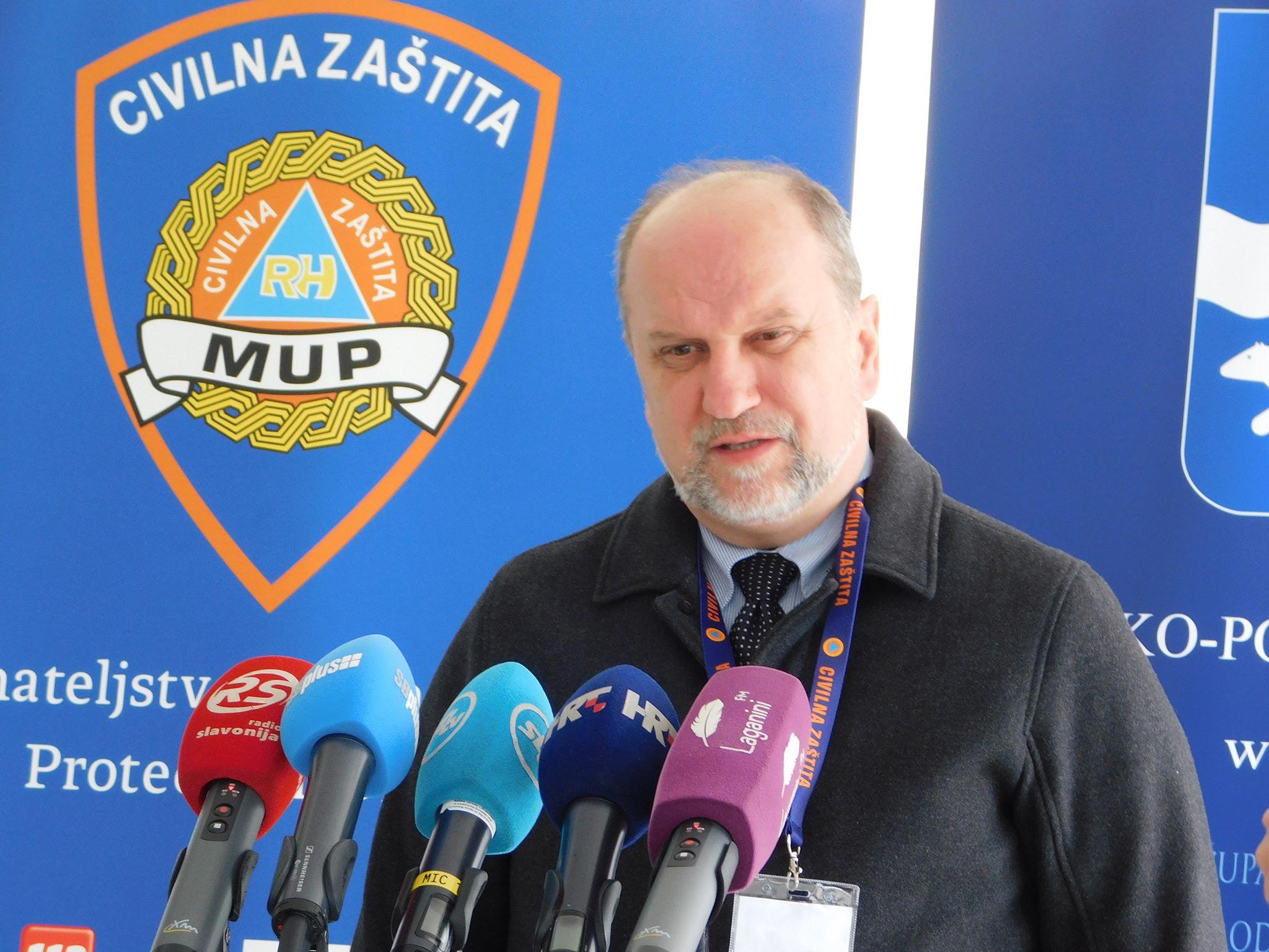 Treća žrtva koronavirusa u Hrvatskoj u Slavonskom Brodu, gospođa je kolima Hitne prevezena u brodsku bolnicu u teškom stanju