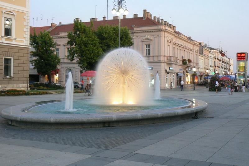 I u Slavonskom Brodu večeras se pjevalo za sve one koji pomažu u borbi protiv epidemije koronavirusa