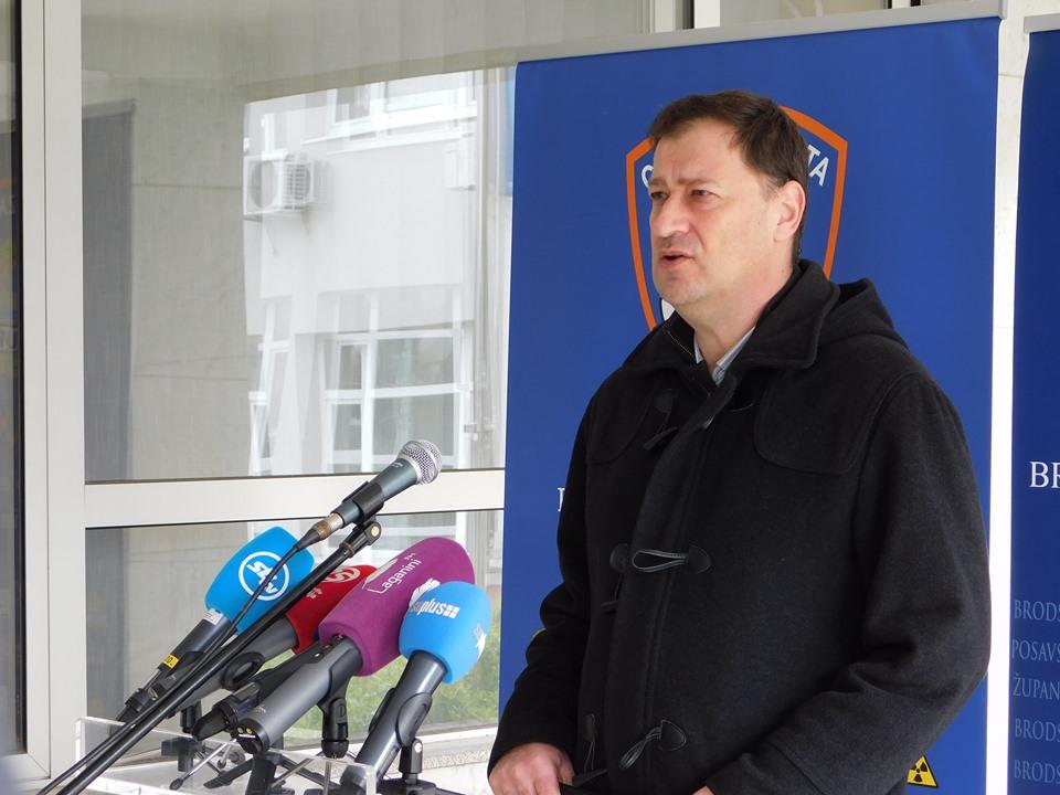 Tijekom posljednja 24 sata na području Brodsko-posavske županije potvrđen je 1 novi pozitivni nalaz na koronavirus
