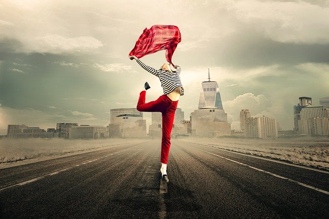 """""""Život nije čekanje da prođe oluja, već učenje kako plesati na kiši"""""""