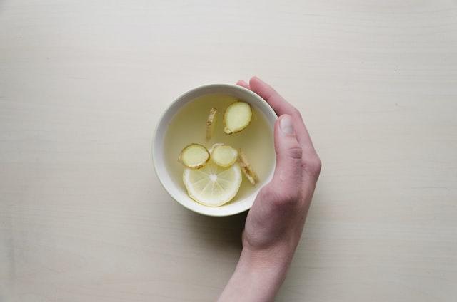 Sok od đumbira i limuna za brže mršavljenje
