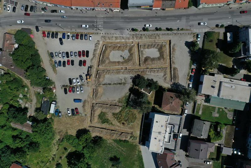 Započelo uređivanje parkirališnog prostora u Ulici Josipa Jurja Strossmayera