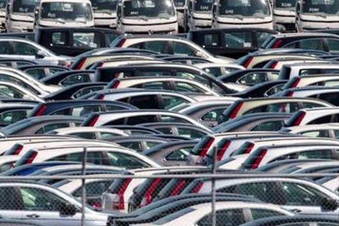 Državna vozila na javnoj dražbi: Prilika za povoljnu kupnju malih gradskih automobila, ali i luksuznih vozila
