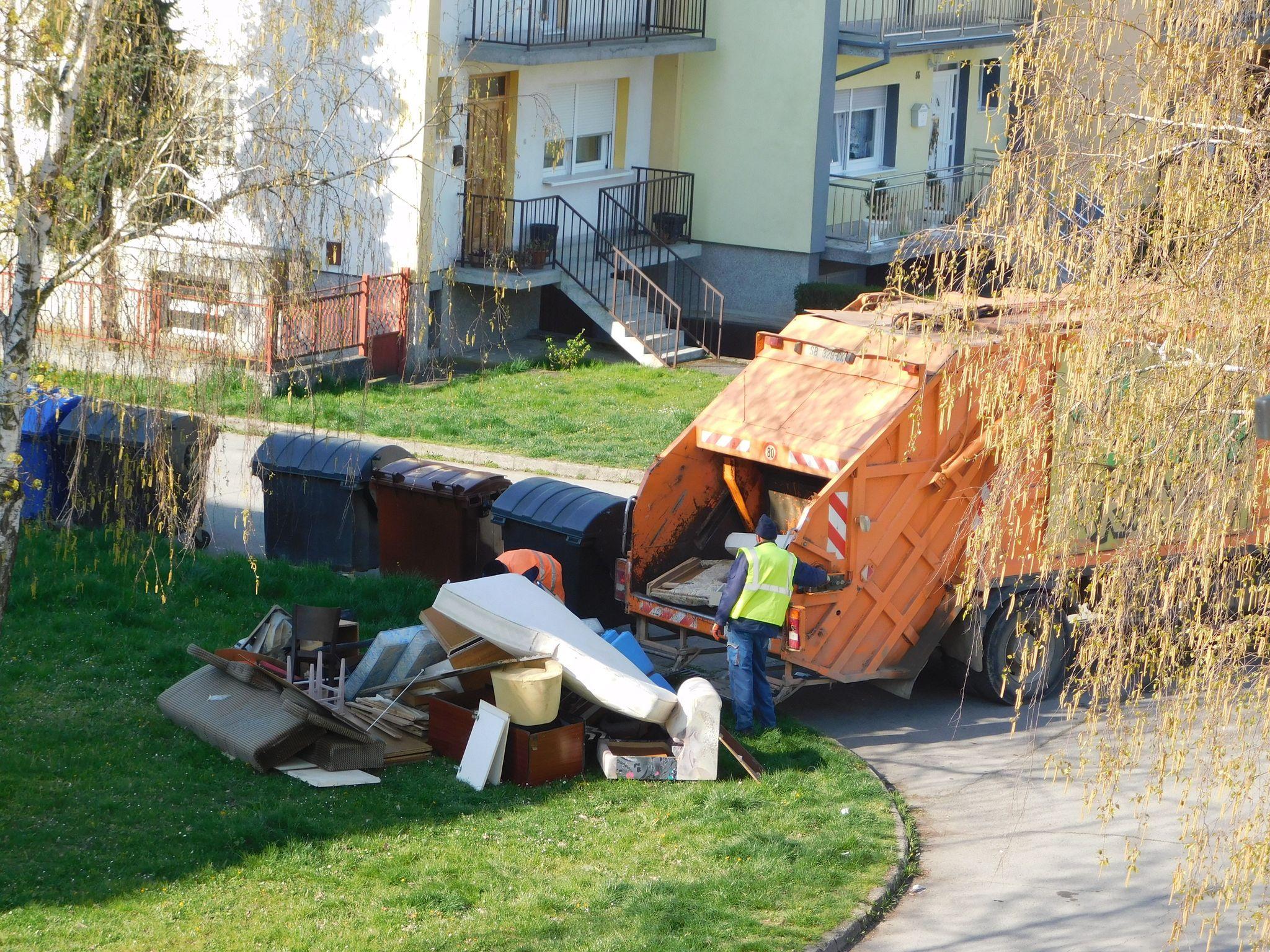 U tijeku je akcija odvoza glomaznog otpada, u ponedjeljak je na redu naselje Jelas