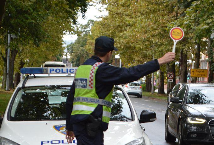 Policajci oduzeli automobil od višestrukog počinitelja prekršaja