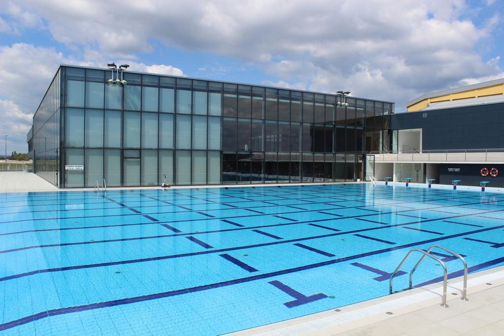 Službeno je započela još jedna ljetna sezona na Gradskim bazenima