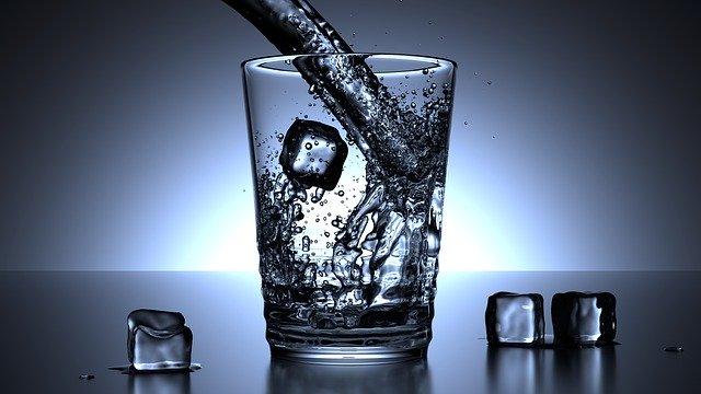 Greška s ispijanjem vode zbog koje još teže podnosimo vrućine