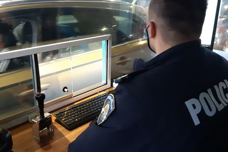 Na graničnom prijelazu Sl. Šamac policajcima predočio krivotvoreni PCR test