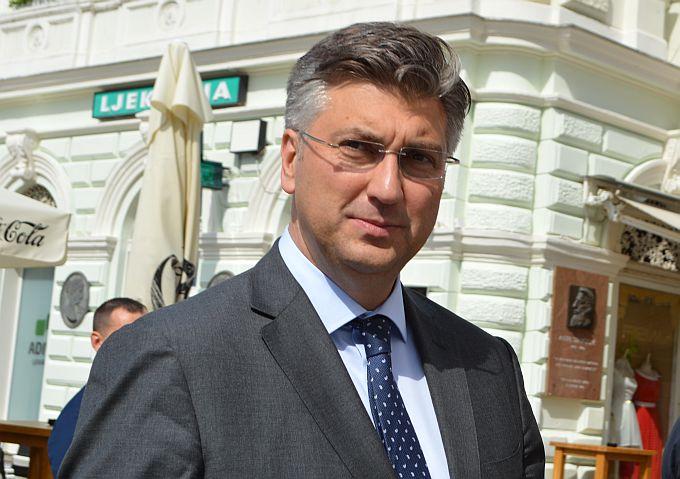 Plenković: Razmišljamo o uvođenju covid-potvrda i u socijalnim ustanovama