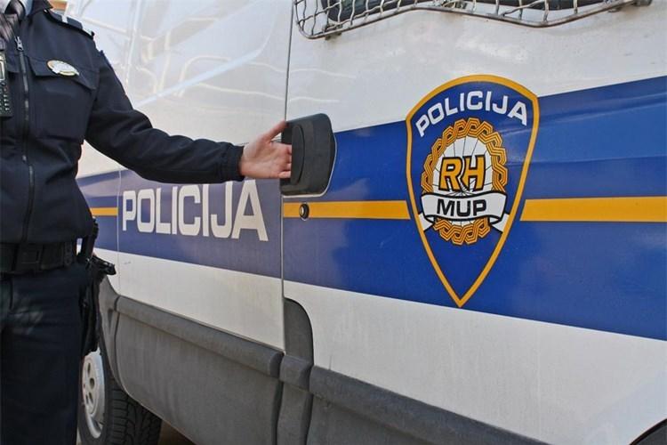 Zbog kvara na autu: 41-godišnjem vozaču policija pronašla i oduzela 5,75 grama marihuane